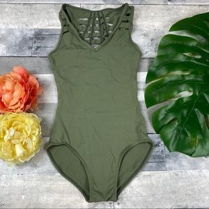 Jo and Jax olive the pulse Leo leotard AXS (12)